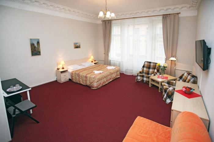 Гостиница «Александр», Столярный переулок 10-12, метро Садовая.